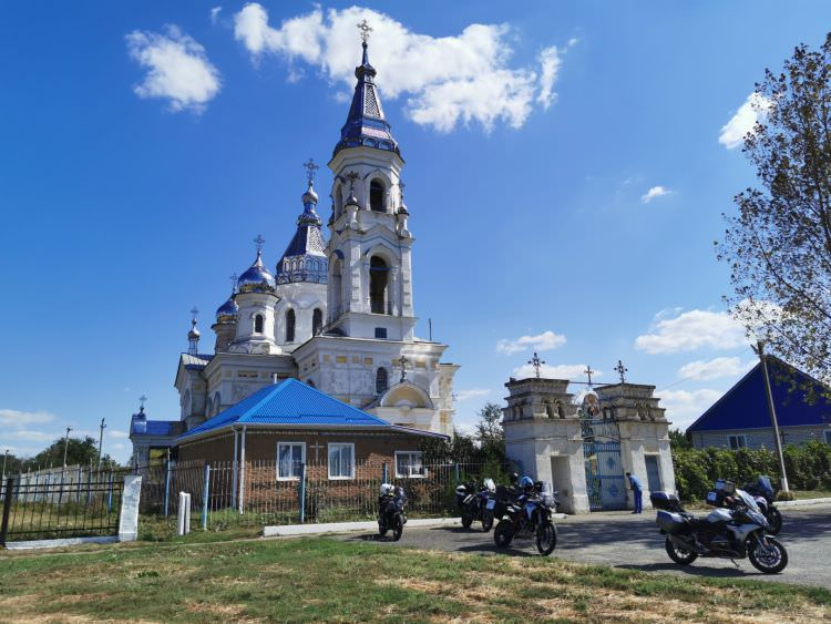 Moscow-Elbrus-Sochi ride: chasing the Summer in the South of Russia